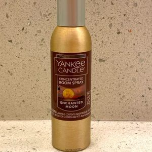 Yankee Candle enchanted moon conc. room spray